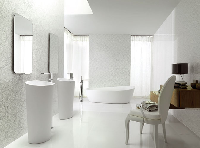 Collection Almond de Porcelanosa, baignoire, lavabo de salle de bains