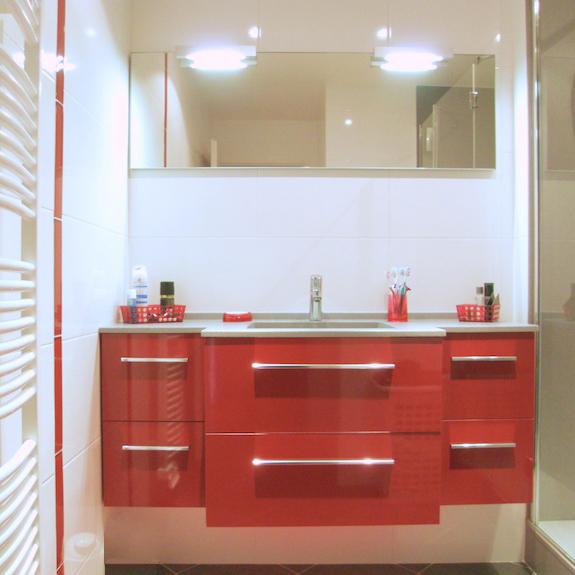 Accessoires salle de bain rouge castorama for Salle bain rouge