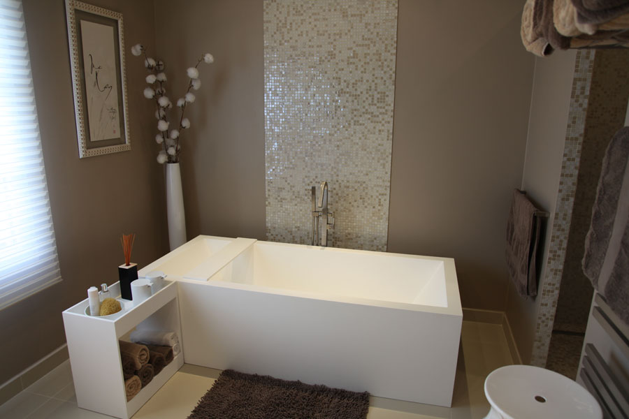 D co salle de bain zen on pinterest for Baignoire couleur beige