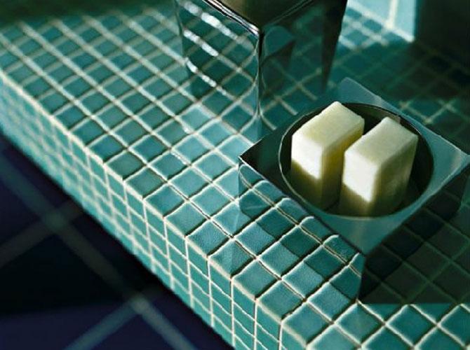 Surface-mosaïque de pâte de verre