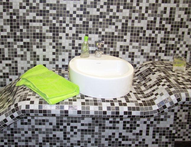Plan de toilette en mosaïque