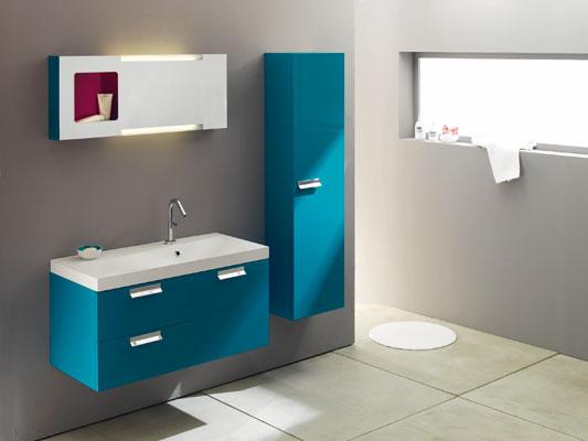 Inspiration une salle de bains bleue inspiration bain for Baignoire petite profondeur
