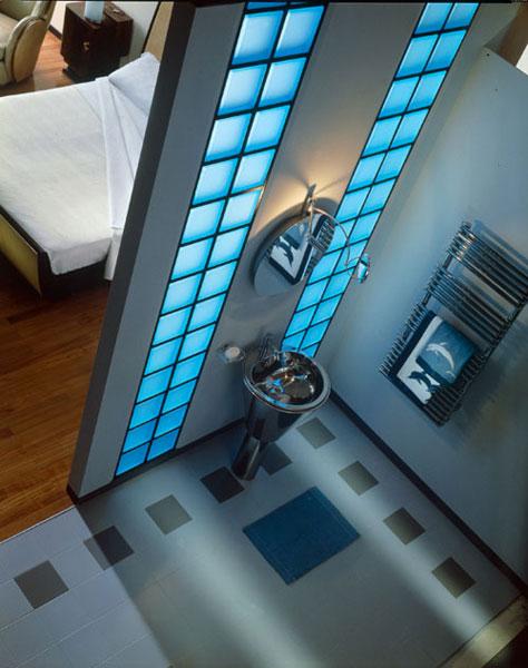 Rouvière-salle de bains bleue
