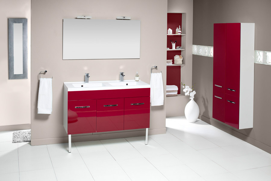 inspiration une salle de bains rouge inspiration bain. Black Bedroom Furniture Sets. Home Design Ideas