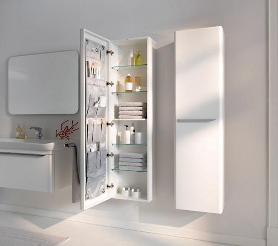 des colonnes de rangements pour la salle de bains. Black Bedroom Furniture Sets. Home Design Ideas
