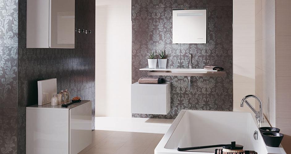 Donner un style baroque une salle de bains inspiration for Peindre carreaux salle de bain