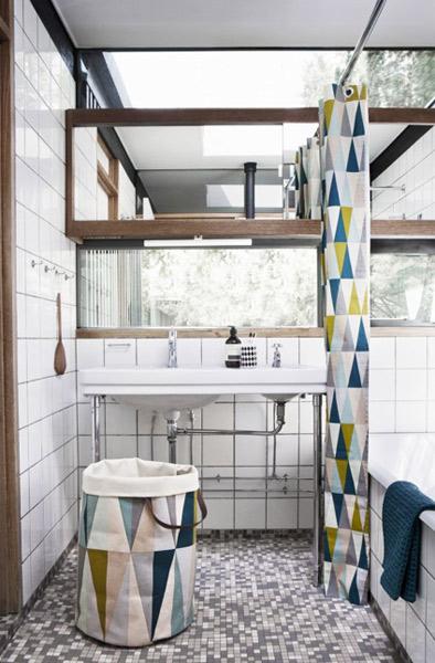 Accessoires d co pour la salle de bains inspiration bain for Rideau pour placard de salle de bain