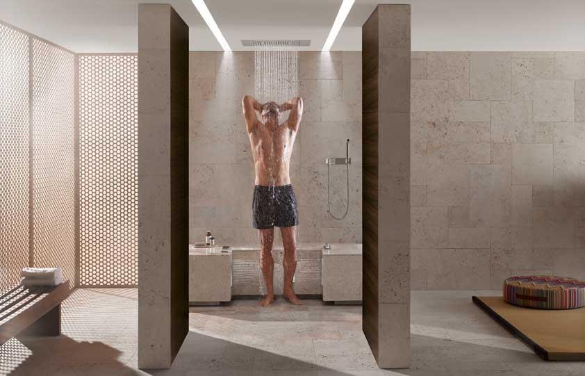 La douche objectif bien tre inspiration bain - Douche italienne avec assise ...