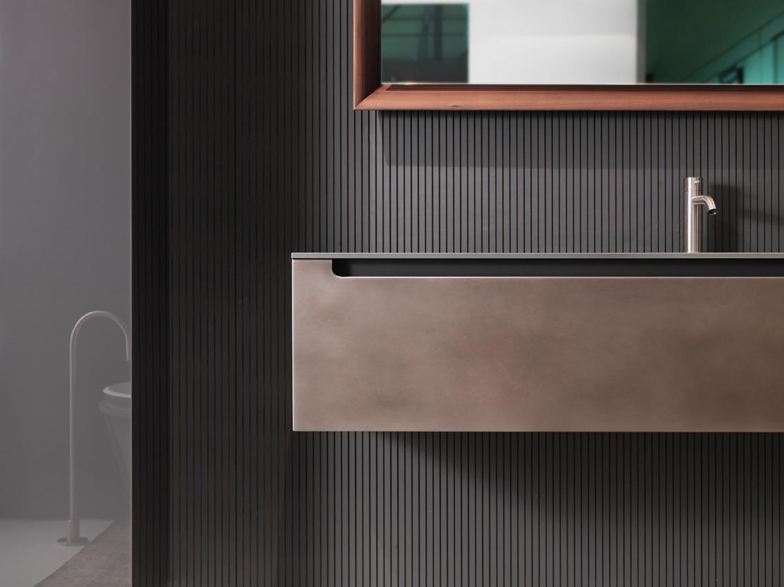 Une salle de bains industrielle avec la collection edge en for Salle de bain ecologique
