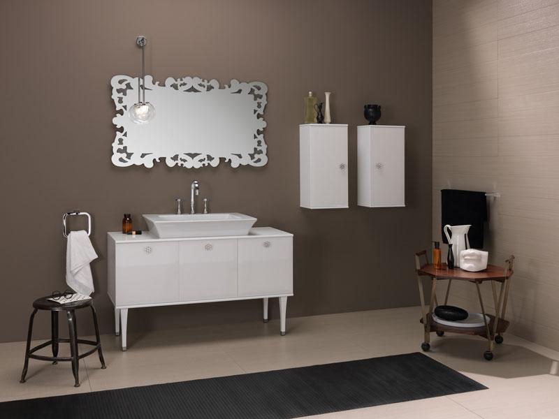 Collection Vintage de Regia, meubles de salle de bains, salle de bains blanche
