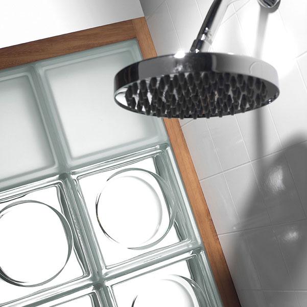 Saverbat, brique de verre, verre dans la salle de bains