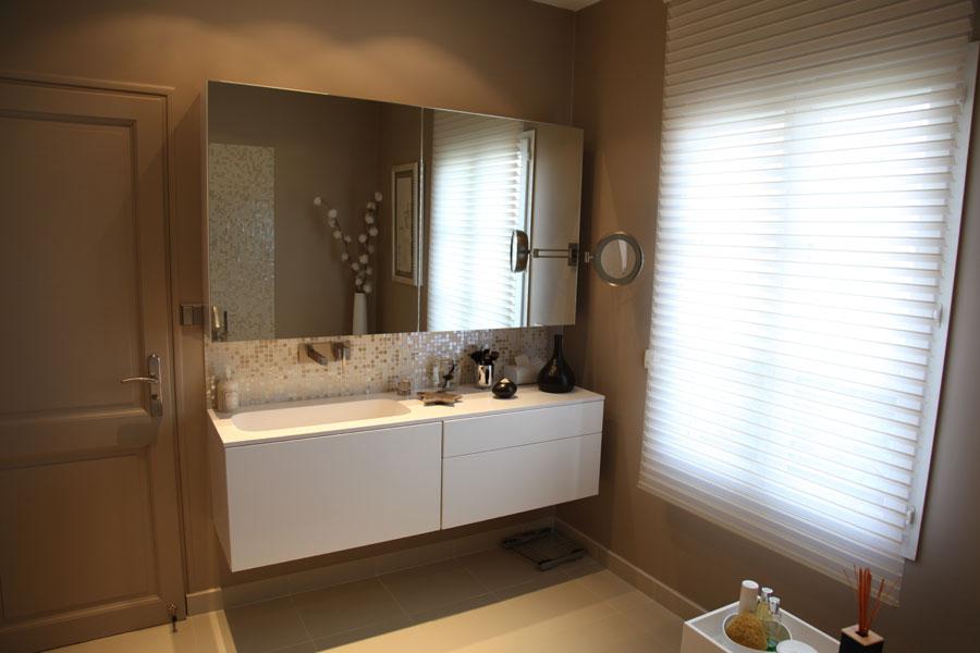 fenetres salle de bain vn86 humatraffin. Black Bedroom Furniture Sets. Home Design Ideas