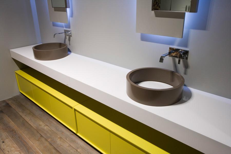 Salle de bains jaune : Antonio Lupi
