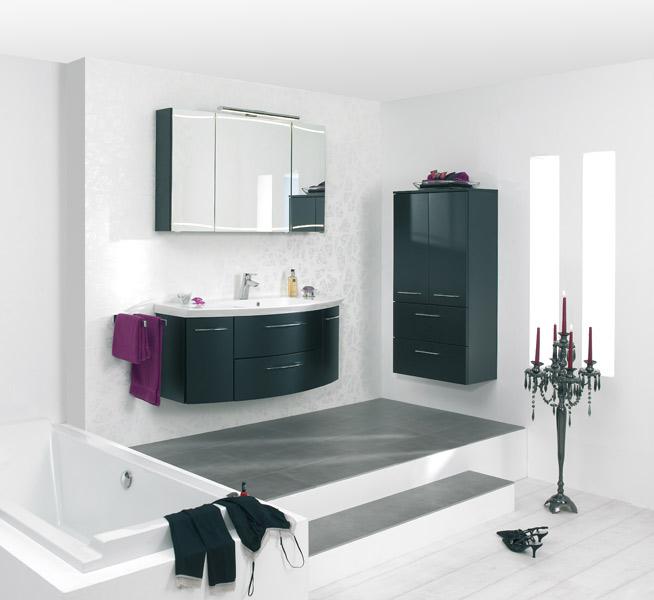 Salle de bains noire : Azur Lign