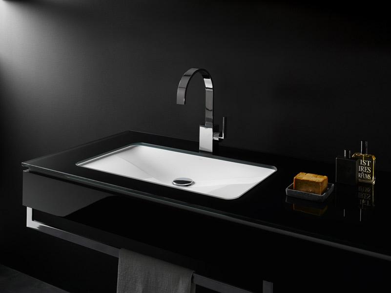 Salle de bains noire : Alape